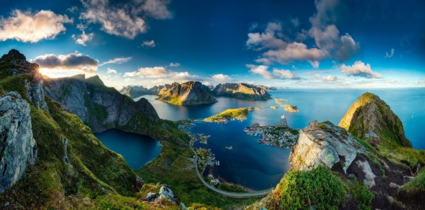 Nature___Sea_Beautiful_fjords_of_Norway_094107_